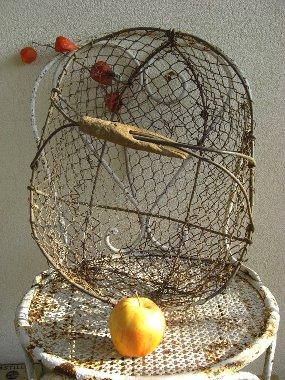 Antique wire fr basket