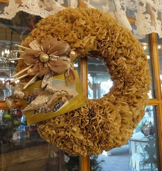 Beige wreath