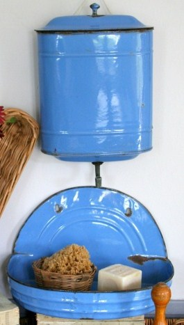Blue french lavabo
